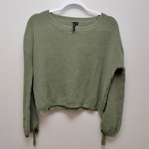 Moon & Madison cropped Sweater with Ties